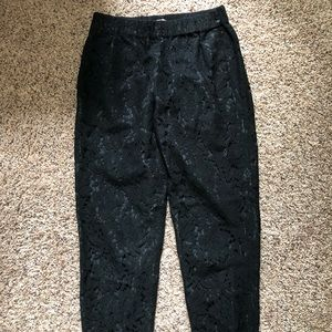 J. Crew Pants - JCrew lace cropped pants in black